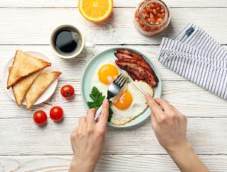 筋肉に欠かせないたんぱく質。年齢とともに気をつけたい食事のポイントは?
