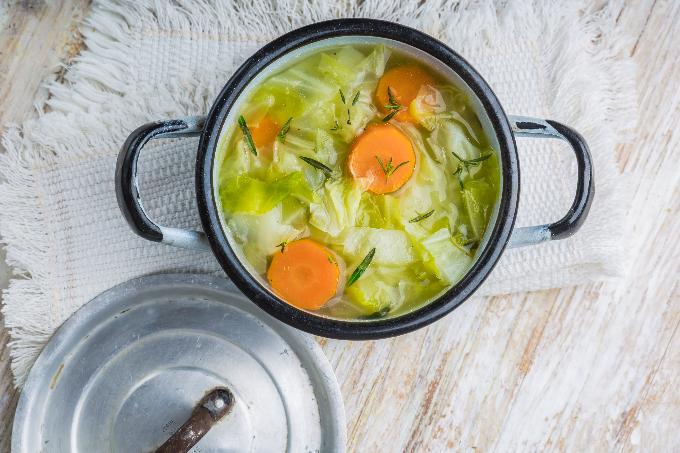 キャベツとにんじんのスープ