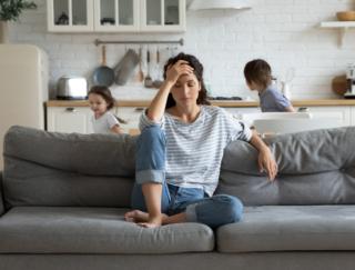 「病は気から」はホント!? ストレスが重なると症状が悪化しやすい理由は…