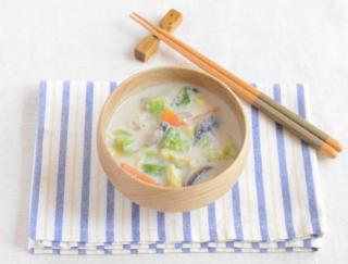 たっぷりキャベツの温かいスープで満腹感アップ!「キャベツの豆乳みそスープ」#節約ダイエットレシピ