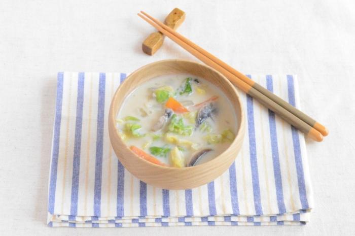 キャベツの豆乳みそスープ
