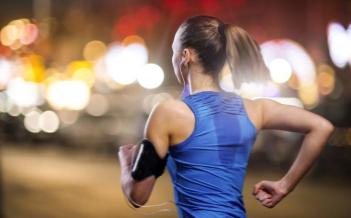 ジョギングしている画像