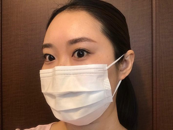 マスクをした画像