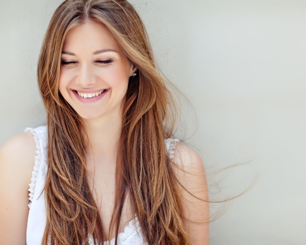 にこにこ笑顔の女性