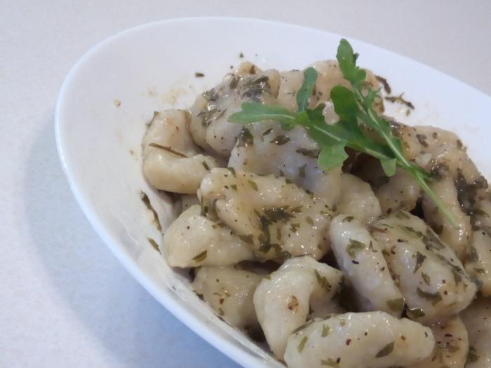 小麦粉とジャガイモで作るニョッキは簡単にでき、お腹も膨れる