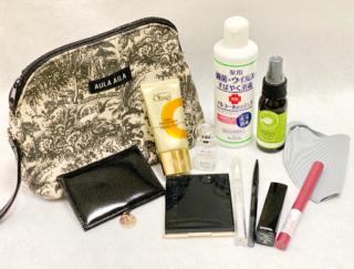 プロの私物を公開♡ 美容師さんがポーチに入れている選りすぐりアイテム