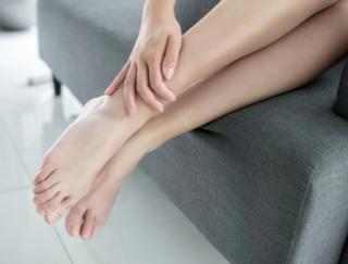 水太りの人は即実践! 足にある5つの穴を刺激してデトックスする方法
