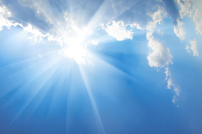 夏の太陽画像