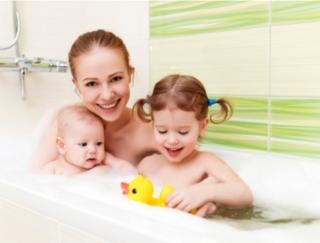 お風呂は毎日、子どもと一緒。オススメの方法で入浴できません