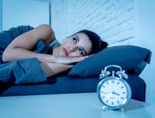今夜も眠れなかったらどうしよう…「眠れない夜」の本当に正しい過ごし方とは?