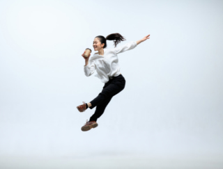 「現状維持」より「変化」で6か月後には幸せに!? 人生の選択、研究からわかったことは…