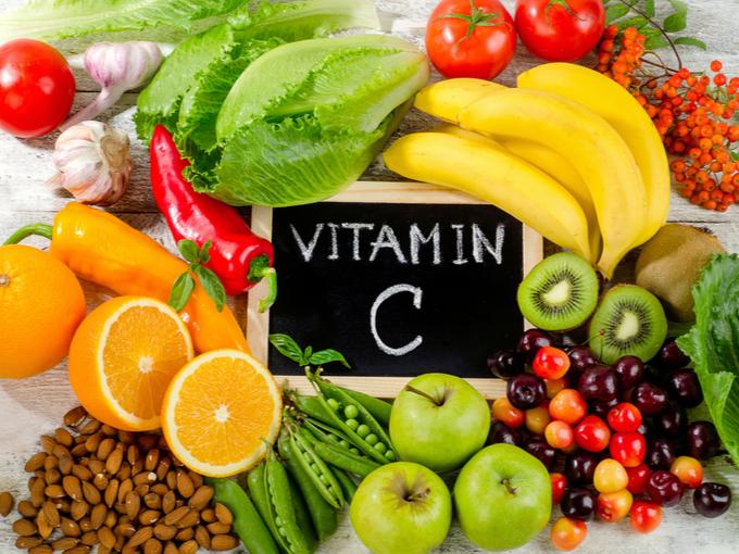 オレンジやキウイフルーツなどビタミンCを含む果物や野菜