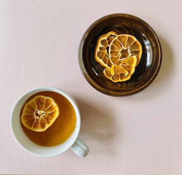 紅茶に浮かべた状態