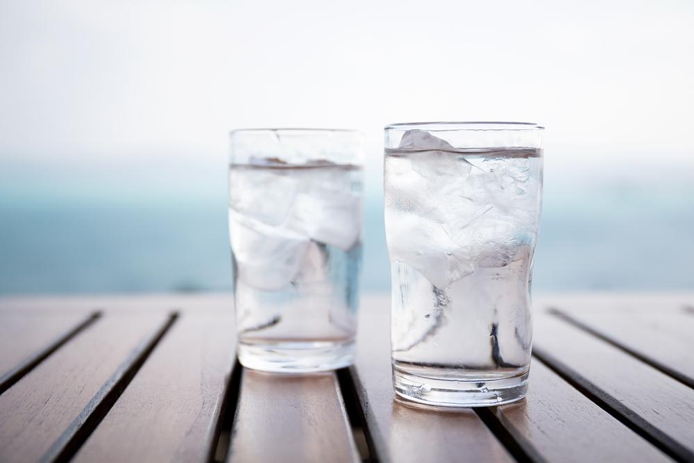 氷の入ったお水