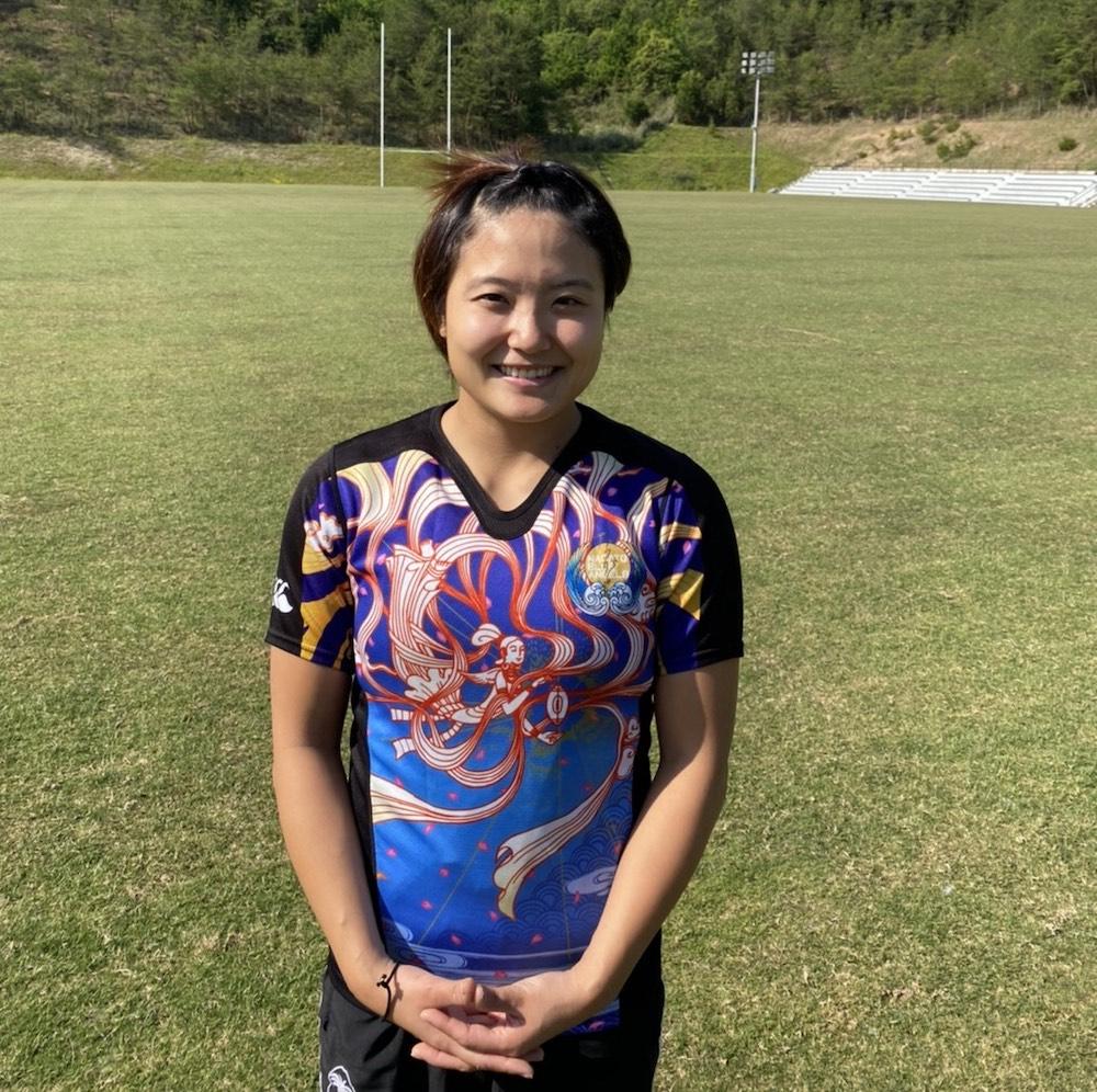 ラグビー日本代表・薮内あゆみ選手の笑顔写真