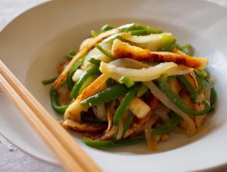 ごまや味噌のコクがたまらない!ご飯がすすむ簡単野菜炒めレシピ