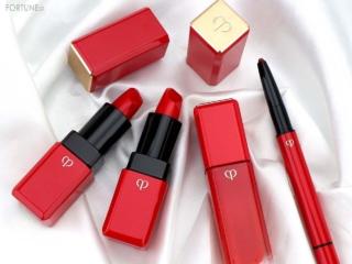 《クレ・ド・ポー ボーテ》伝説の赤に繊細なきらめきを忍ばせた『レジェンドカラーコレクション』が7/21〜限定発売!肌までも明るく見える鮮やかな赤を纏って