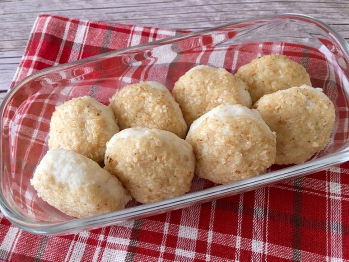 はんぺんを使ったふんわり食感&高たんぱくレシピ♪「ごまみそはんぺん鶏だんご」#今日の作り置き