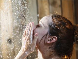 暑い季節は帰ったらすぐにシャワーを浴びて終わり! でも、なんだか寝つきが悪くて…(1)