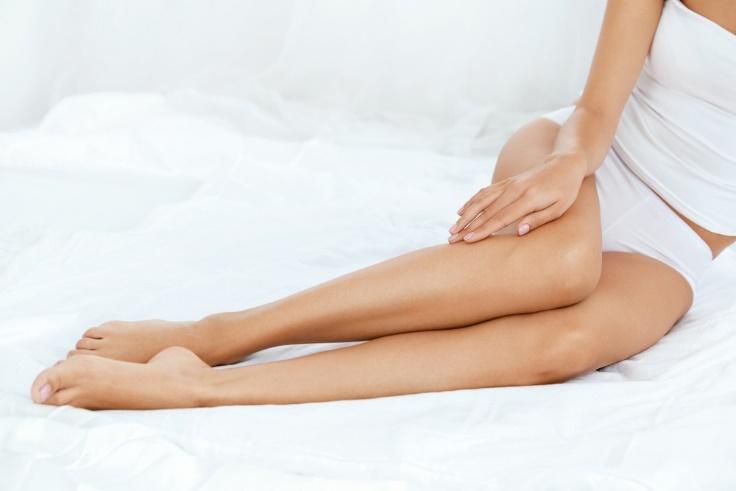 女性の脚の画像