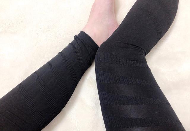 リンパマッサージ セルライトスパッツを履いた脚の画像