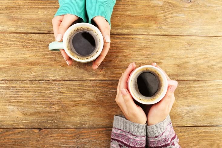 コーヒーカップ2つ画像