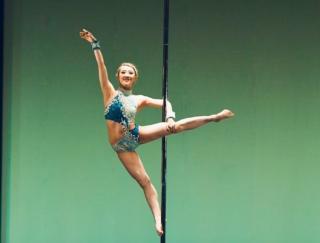 女性を魅了するダンスの秘密。進化し続けるポールダンサー藤井亜衣さんの美の秘訣 #アス女飯