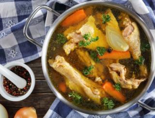 """お肌にいい栄養がいっぱい♡ NYで大ブームの""""飲む美容液""""! おうちで作れる「骨だしスープ」レシピ"""