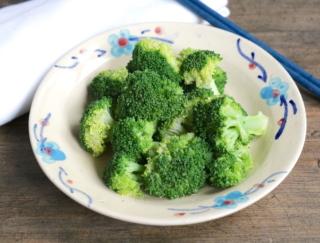 ブロッコリーで腸活! 夏の暑い日にレンチンで作る「ブロッコリーの冷やしコンソメ」