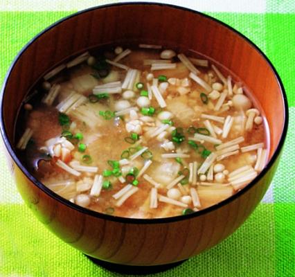 納豆とキムチのみそ汁画像