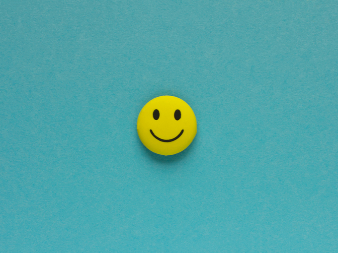 笑顔が描かれたオブジェ