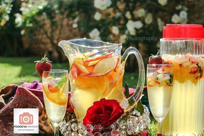 パーティ用に飾りつけされた「サウジ・シャンパン」