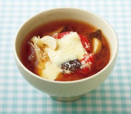 トマトチーズみそ汁画像