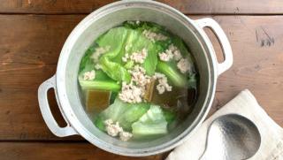 レタススープの簡単レシピ!約10分でできる時短&絶品リメイク