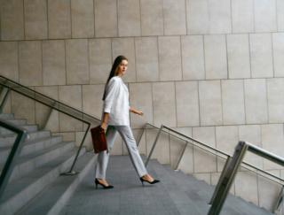 健康によいウォーキング。「通勤」で歩くとさらに効果アップすることが、海外の研究で判明!