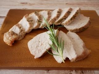 高たんぱくな豚もも肉ブロックで疲労回復!「ローズマリー香るローストポーク」#今日の作り置き