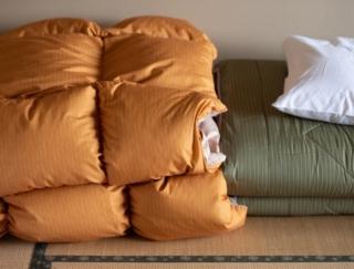和室だし、スペースを有効活用したいから布団で寝たい! でもやっぱりベッドのほうがいいのでしょうか。