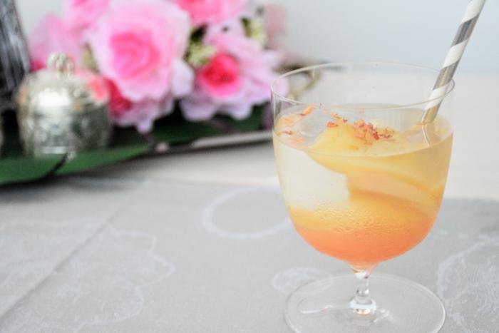 ほんのりピンク桃のアイスティー