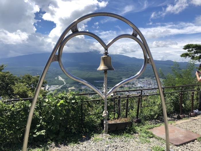富士山パノラマロープーウェイのハート型の「天上の鐘」