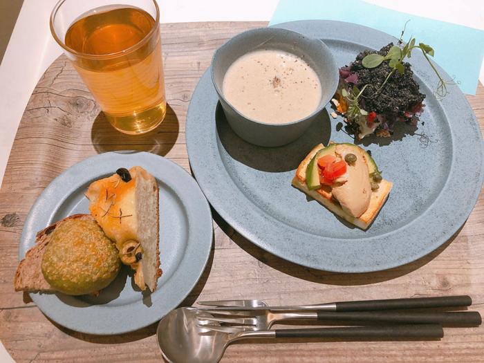 サステナブルなプレートランチが楽しめる!「Deli & Cafe Blue Globe Tokyo」 #Omezaトーク