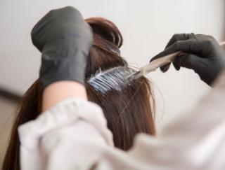 セルフの髪染めも乳がんなどと関連? 研究で新たにわかった気がかりな結果