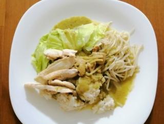 鶏むね肉をプラスして、低糖質&高たんぱくなグリーンカレーの完成♪ #Omezaトーク