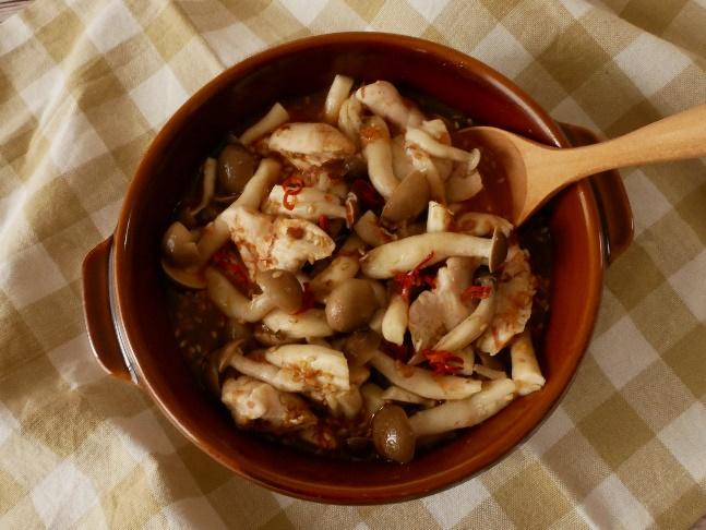 ピリ辛でおいしい! レンジ蒸しで簡単♪「鶏ささみときのこのうま辛蒸し」#今日の作り置き