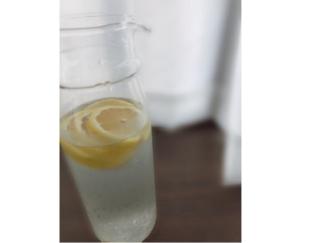 気分スッキリ! レモン水の作り置きをしてみた♡ #週末よもやま
