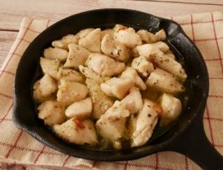 コトコト煮込むだけ♪ 簡単フレンチ風の作り置き「鶏むね肉の絶品コンフィ」#今日の作り置き