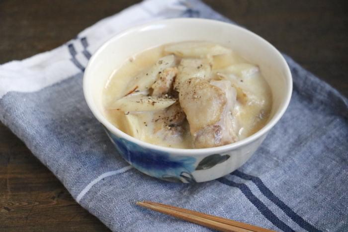 鶏肉とごぼうの豆乳みそスープ