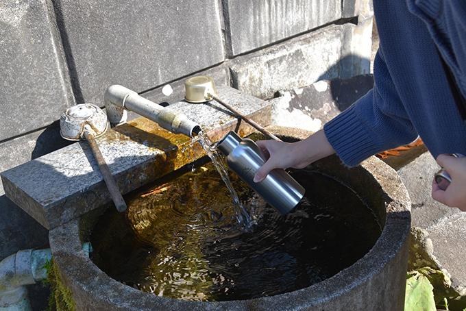 そこらじゅうでお水を汲める贅沢!