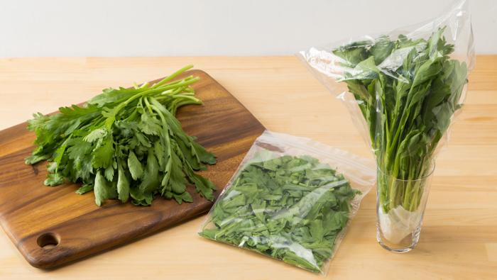 [春菊の保存]袋のままはNG!正しく保存してサラダで食べる