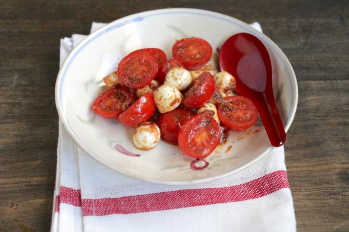 モッツアレラチーズとミニトマトのおかか和え