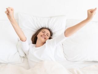 週末の寝だめ、長風呂…その睡眠習慣じつはNGかも!? 医師が教える質のいい眠り方
